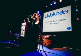 Clubkinder: Feiern für andere